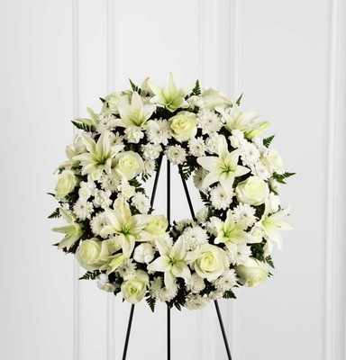 The FTD Treasured Tribute(tm) Wreath
