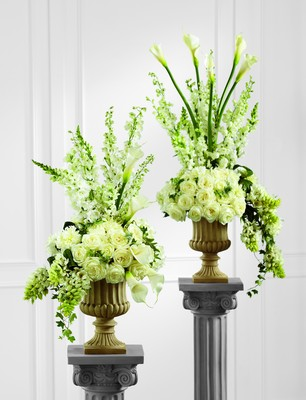 The FTD Classic White Arrangement