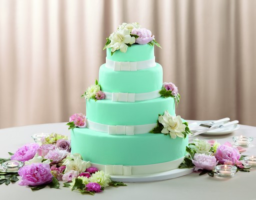 The FTD Infinite Love Cake Décor